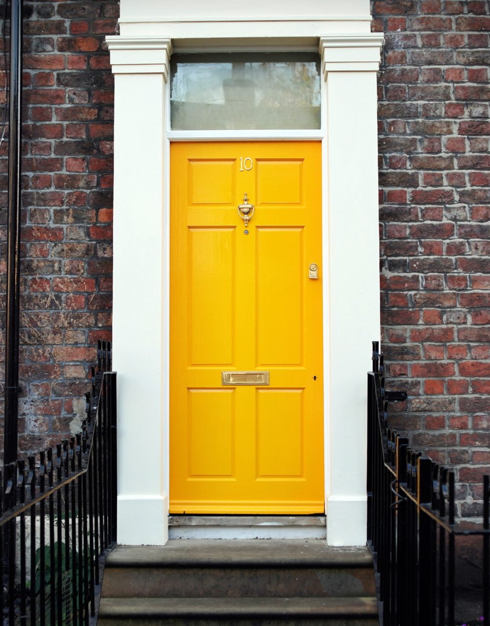 Colorful Front Doors: Make A Great First Impression With One Of These Front Door